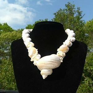 NOS Hand-Made Genuine SeaShell Macrame Necklace
